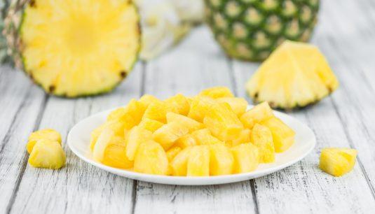 Ananas - jakie ma właściwości, wartości odżywcze i jak go jeść, aby był najzdrowszy?