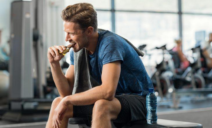 Posiłek potreningowy i posiłek przed treningiem - co i kiedy jeść?