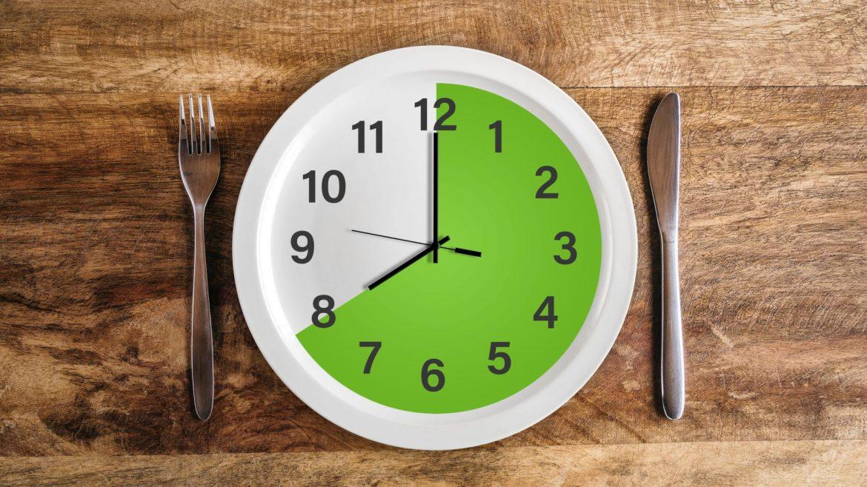 Dieta 8-godzinna - na czym polega?