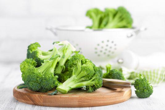 Warzywa i owoce - które nas trują, a które spożywać bez obaw?