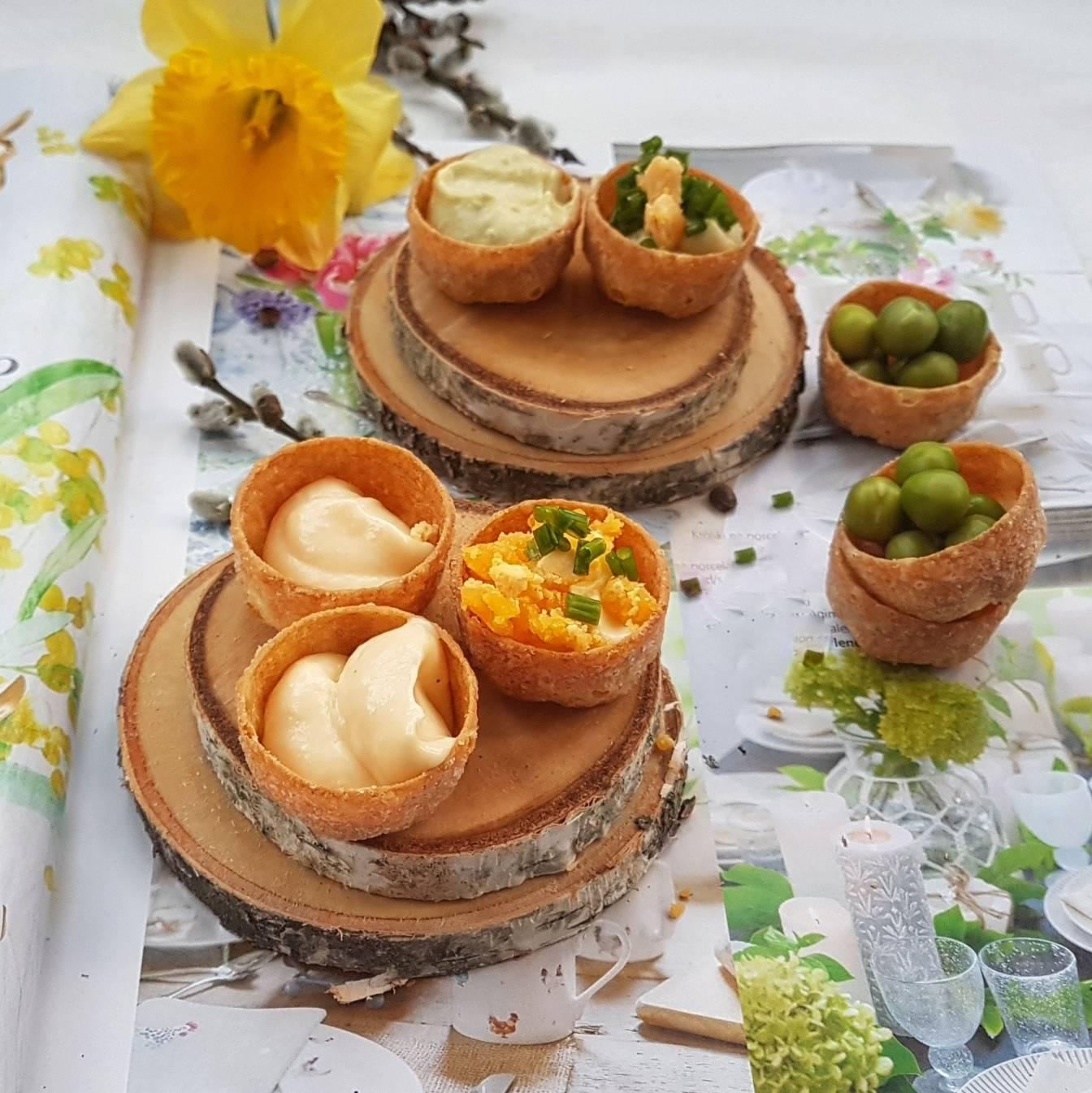 Domowy, lekki i błyskawiczny majonez z chrzanem lub groszkiem - przepisy wielkanocne Agnieszki Żelazko.