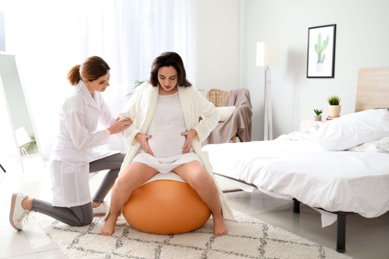 Doula - opiekunka kobiet w ciąży. W czym może pomóc doula przy porodzie?