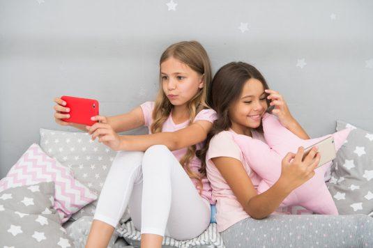 Smartfon dla dziecka - gdzie postawić granice?