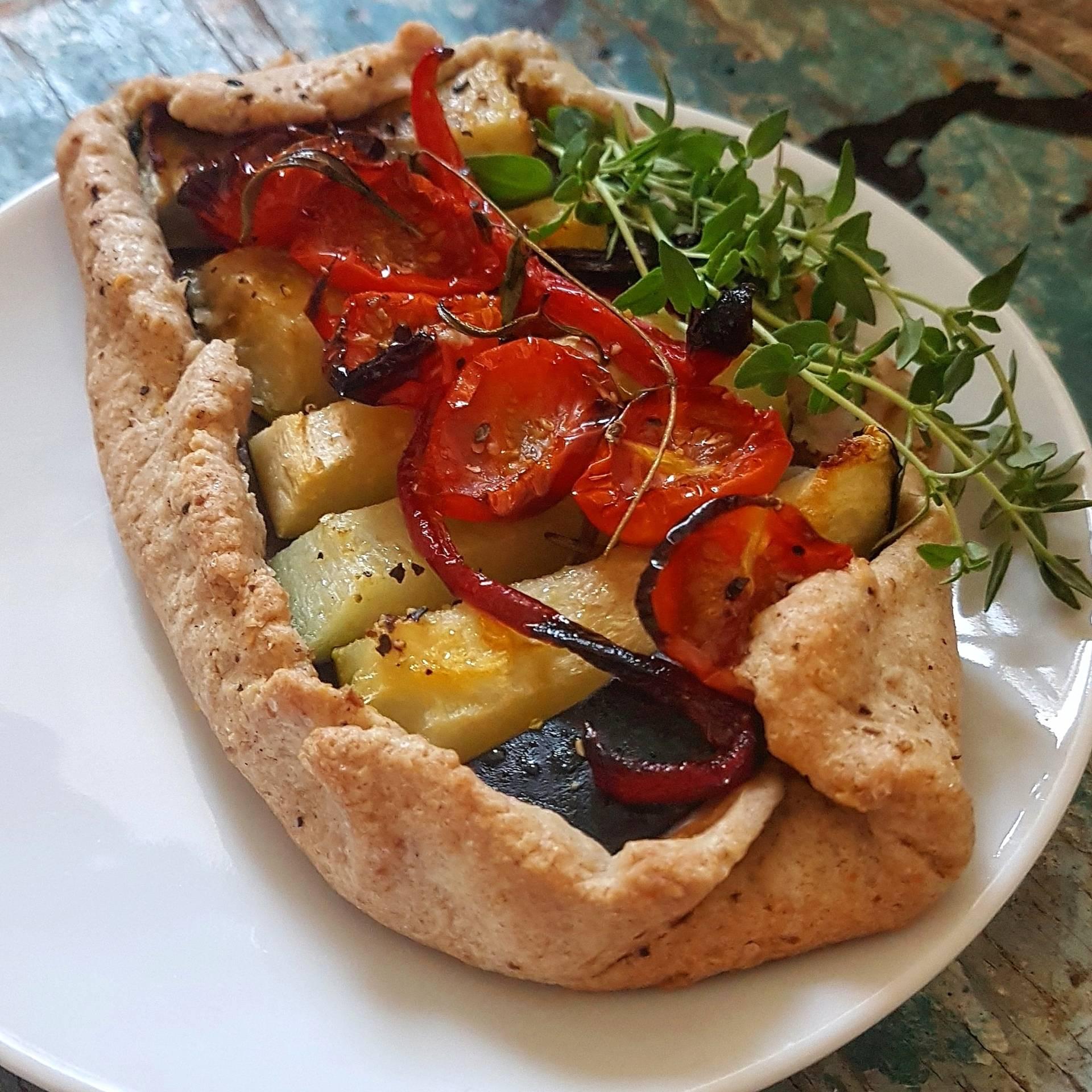 Gorgonzola i grillowane warzywa na kruchym cieście - przepis Agnieszki Żelazko.