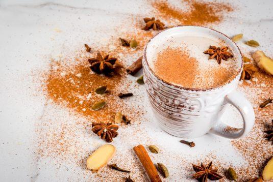 Przepis na indyjską herbatę chai.