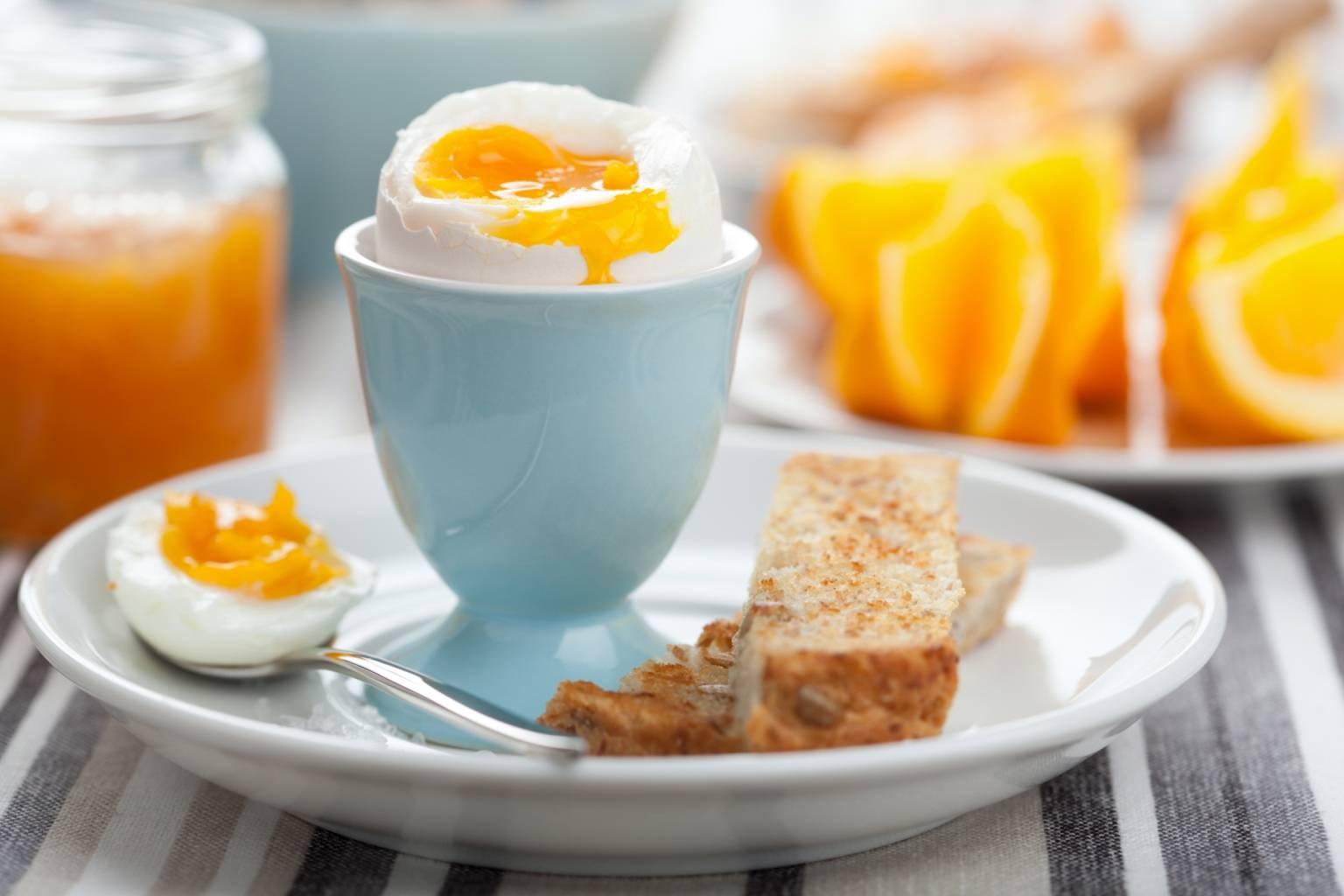 dieta przy refluksie - gotowane jajka.