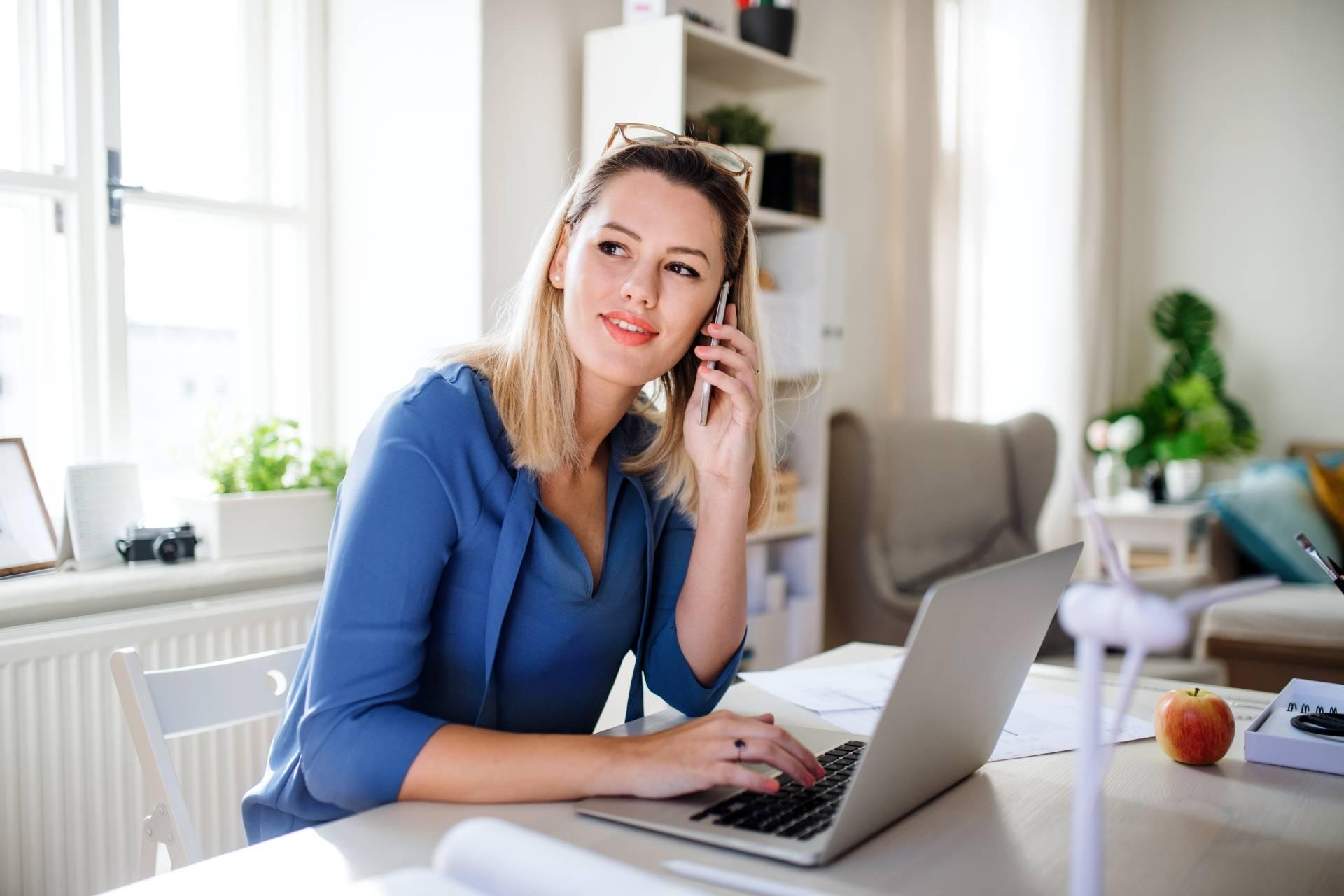 Cwiczenia przy biurku - jak zadbać o swój kręgosłup?