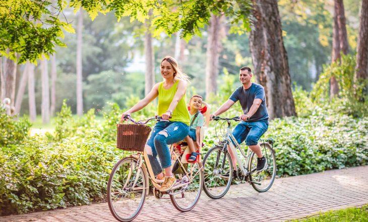 Jazda z dzieckiem na rowerze - jak zadbać o bezpieczeństwo malucha?