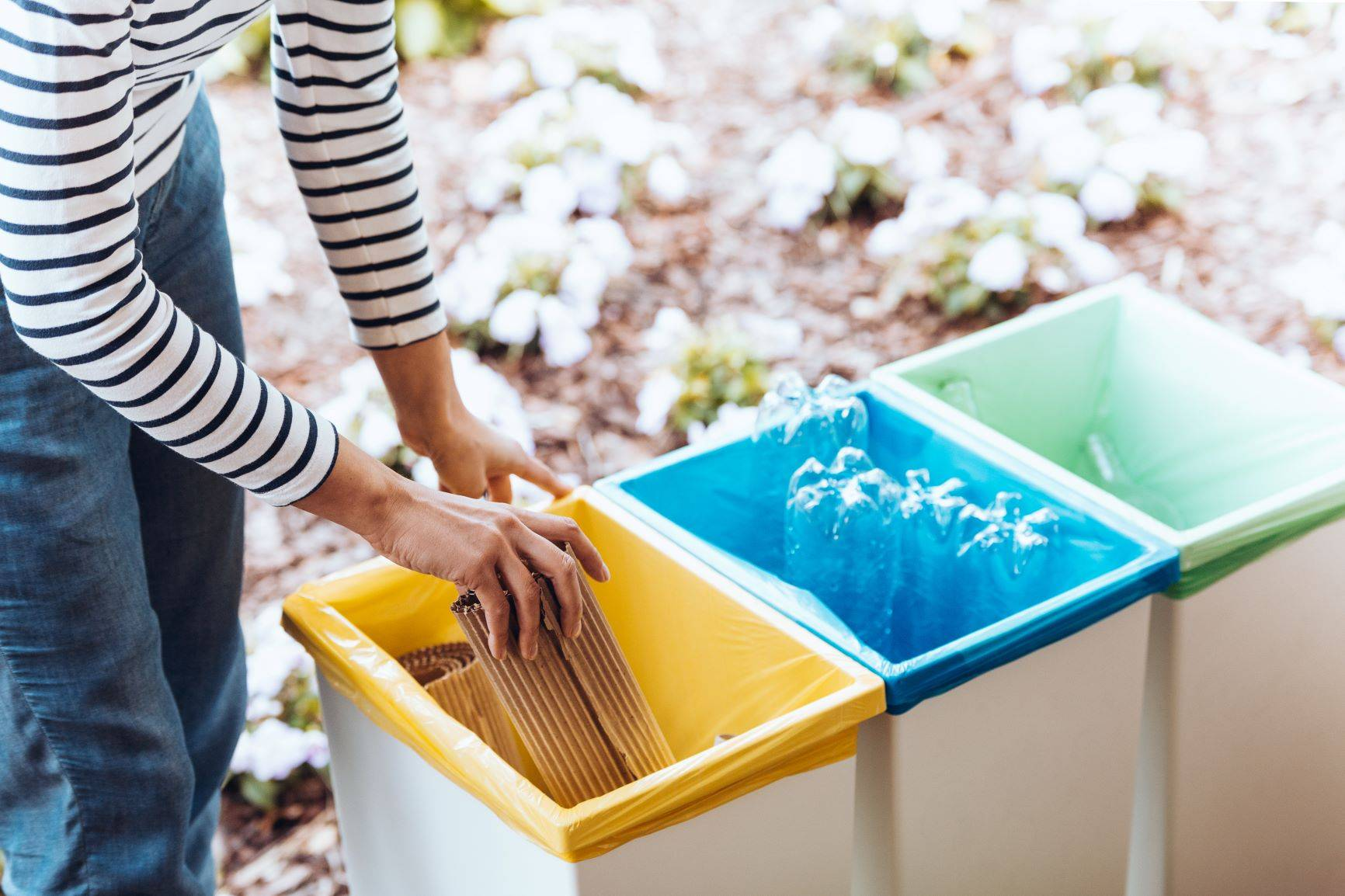 Segregacja śmieci - gdzie wyrzucać problematyczne odpady?