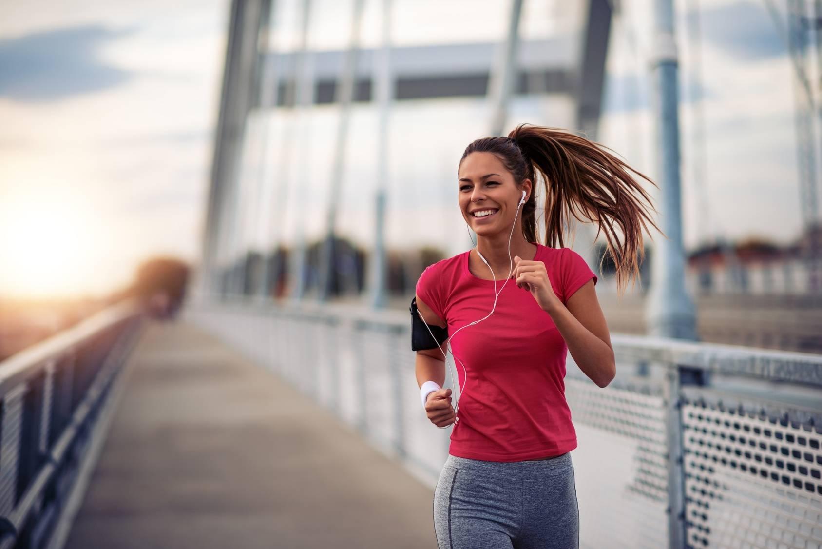 Poranny jogging - co jeść przed treningiem, a co po treningu?
