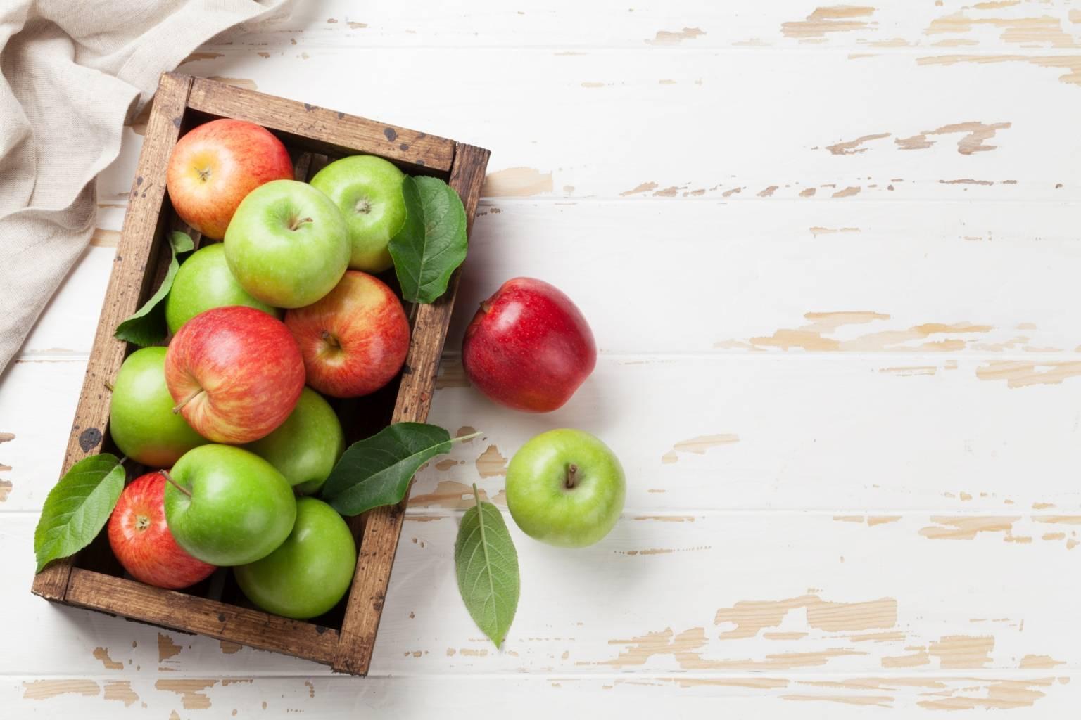 Przeciwutleniacze zwalczają wolne rodniki. Sprawdź, jak działają i gdzie znaleźć antyoksydanty. Jabłka.