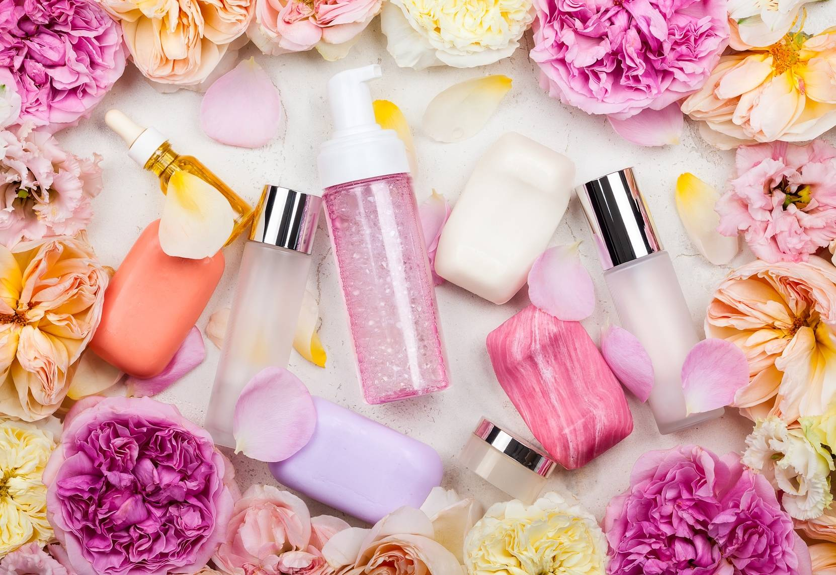 Konserwanty i zapachy w kosmetykach - czy są niebezpieczne dla zdrowia?
