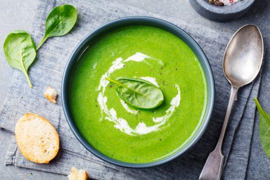 Przepisy na zielone, wiosenne zupy.