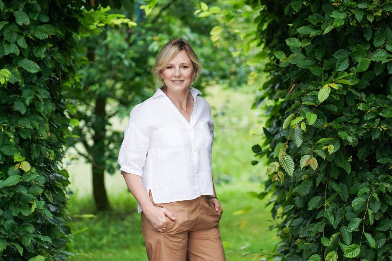 Maja Popielarska opowiada o swoim ogrodzie, macierzyństwie i równowadze w życiu.