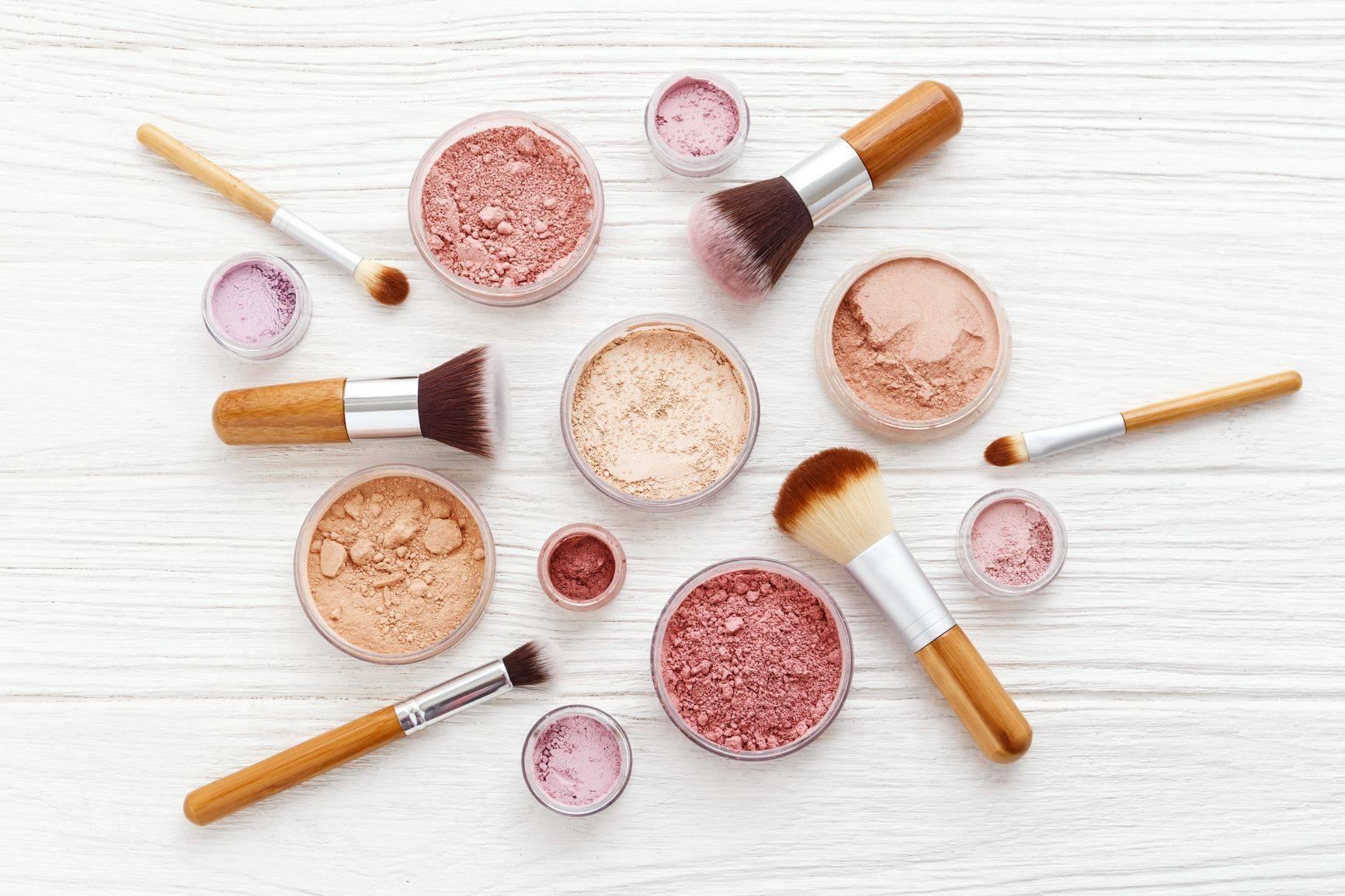 Makijaż mineralny - upiększa i leczy.