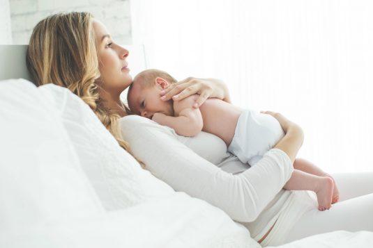 Baby blues, czyli smutek po porodzie.
