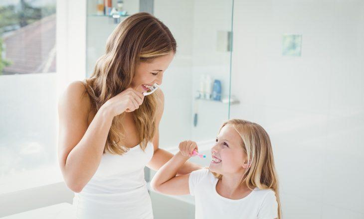 Jak dbać o zdrowe i mocne zęby?