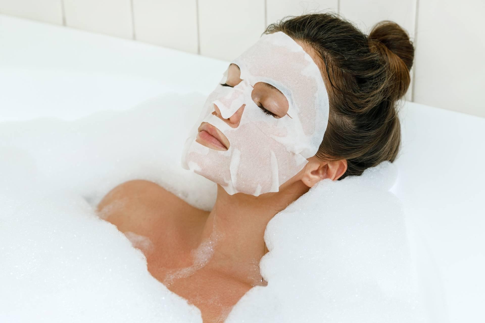 Jak stosować maseczki na twarz, aby osiągnąć dobre efekty?