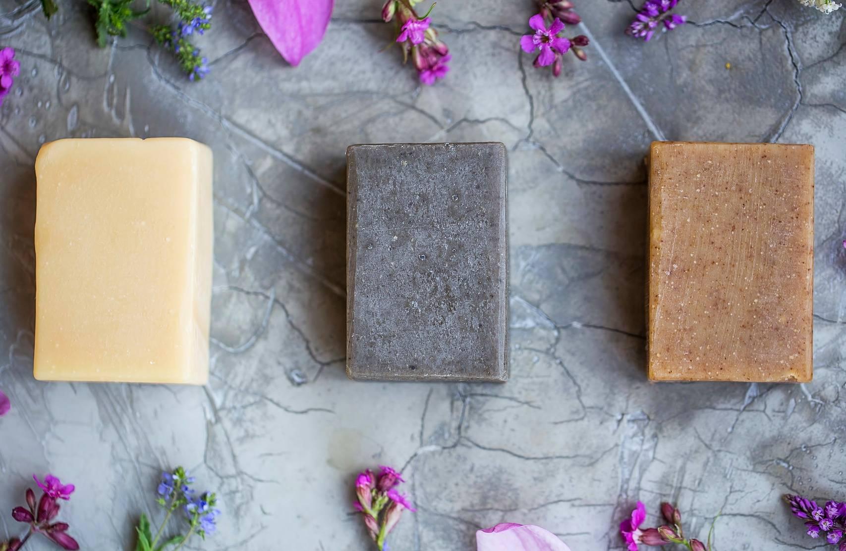 Właściwości szarego mydła - mydło naturalne.