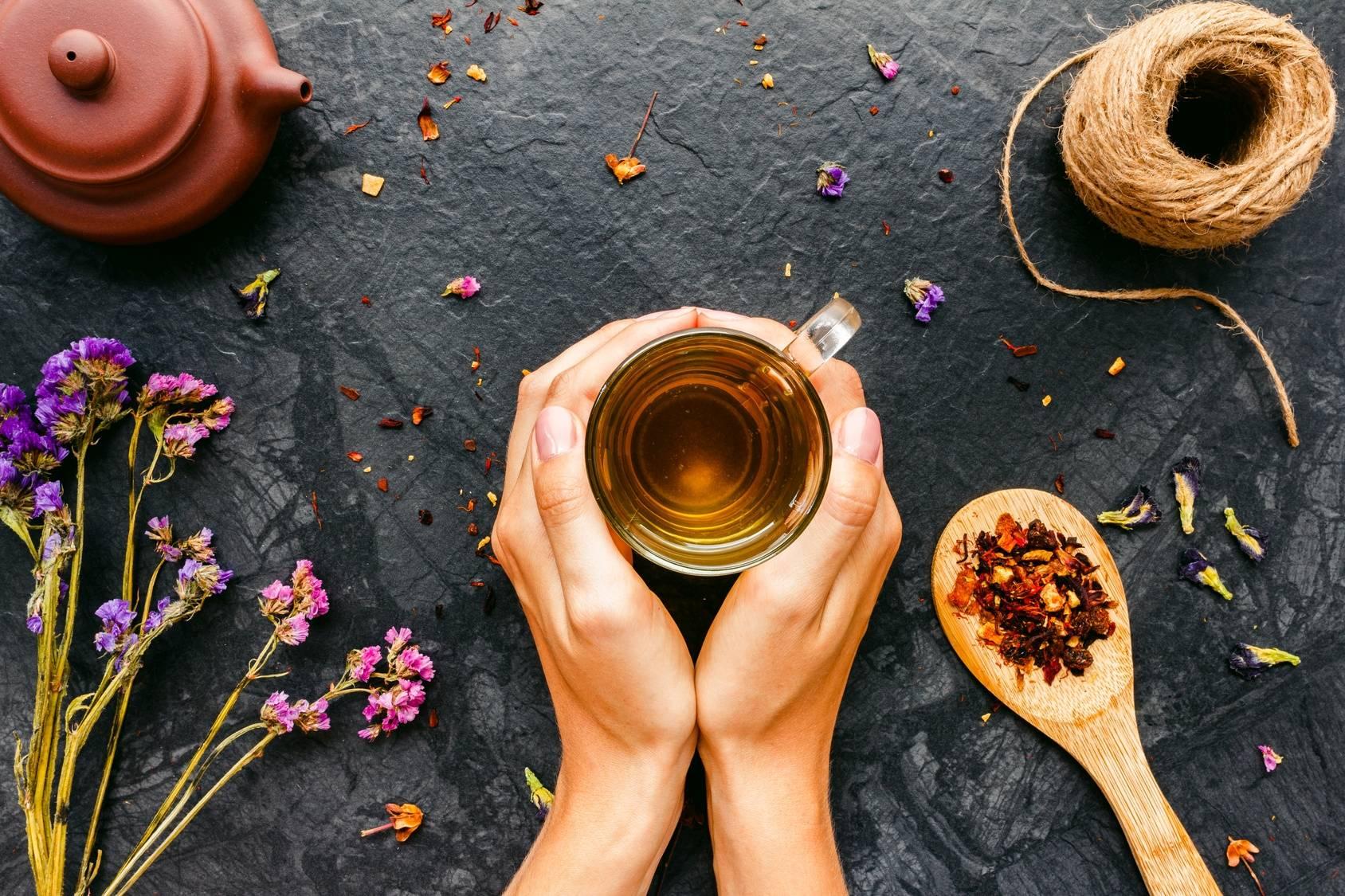 Napary ziołowe - ziołolecznictwo w medycynie chińskiej i europejskiej.