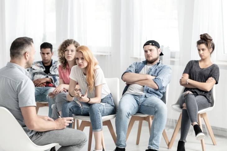 Odwyk i psychoterapia dla nastolatków uzależnionych od narkotyków.