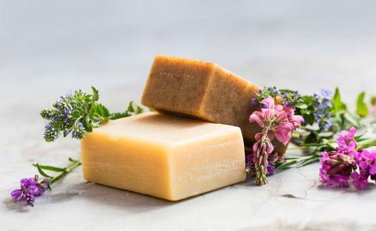 Szare mydło naturalne - właściwości i zastosowanie.