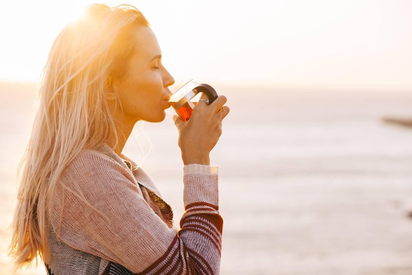 Herbata z morwy białej pomaga poskromić apetyt na słodycze.