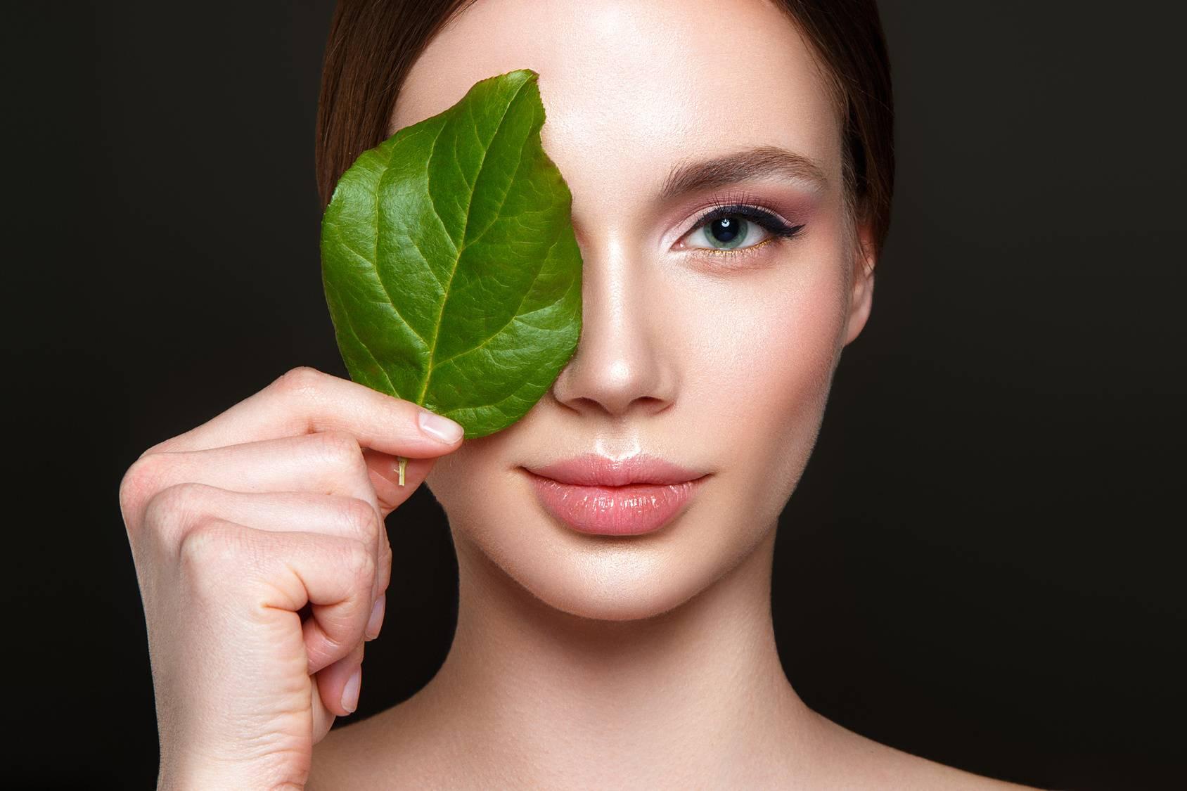 Hydrolaty do pielęgnacji skóry i włosów.