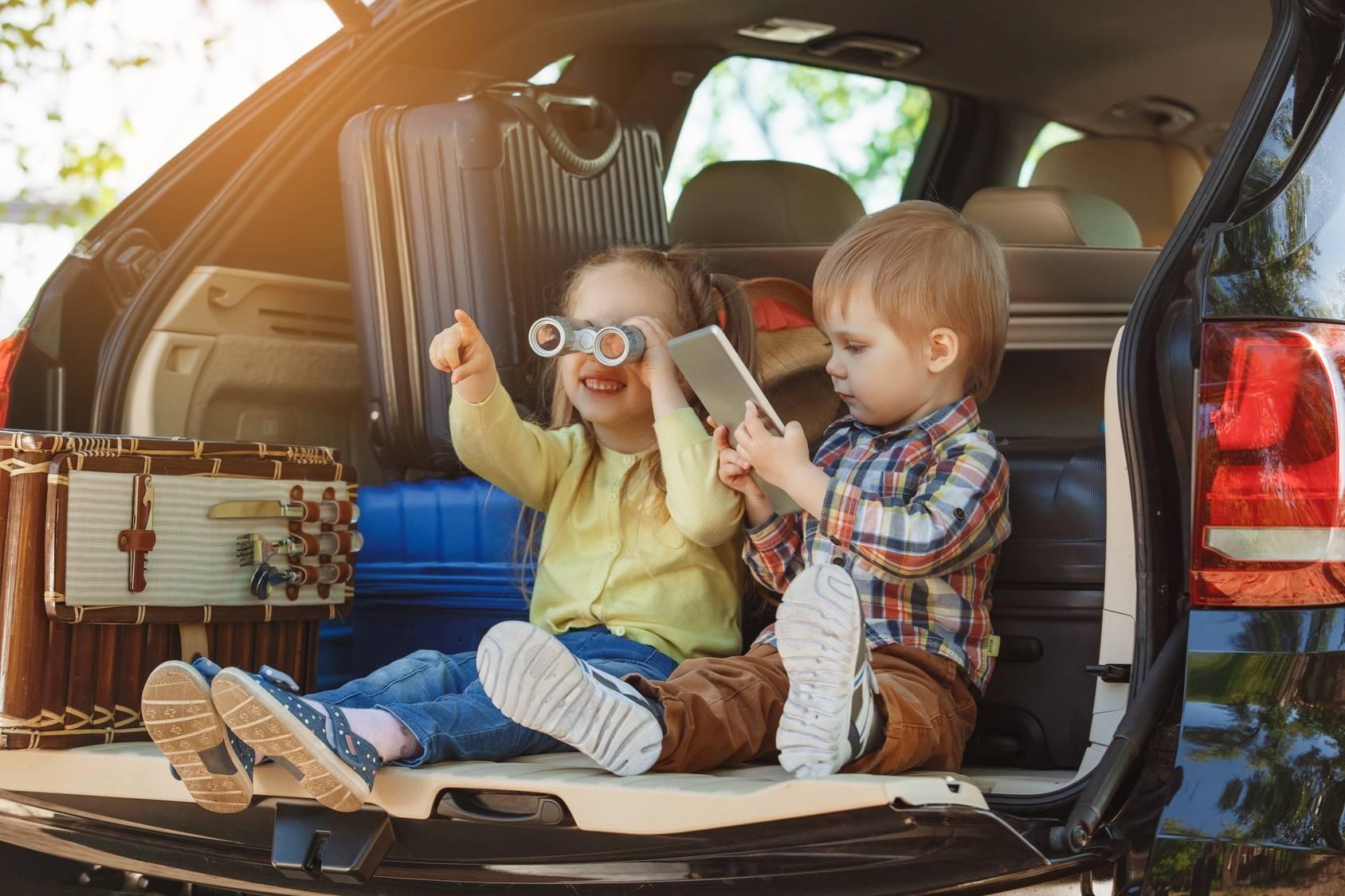Podróżowanie z dzieckiem - poznaj zasady bezpieczeństwa.