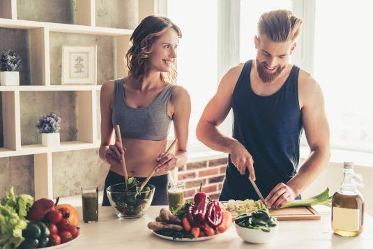 Posiłek przed treningiem i posiłek potreningowy - jak powinny wyglądać?