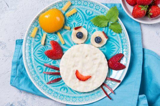 Dieta dla dzieci - co podawać dziecku do jedzenia i picia w trakcie choroby?