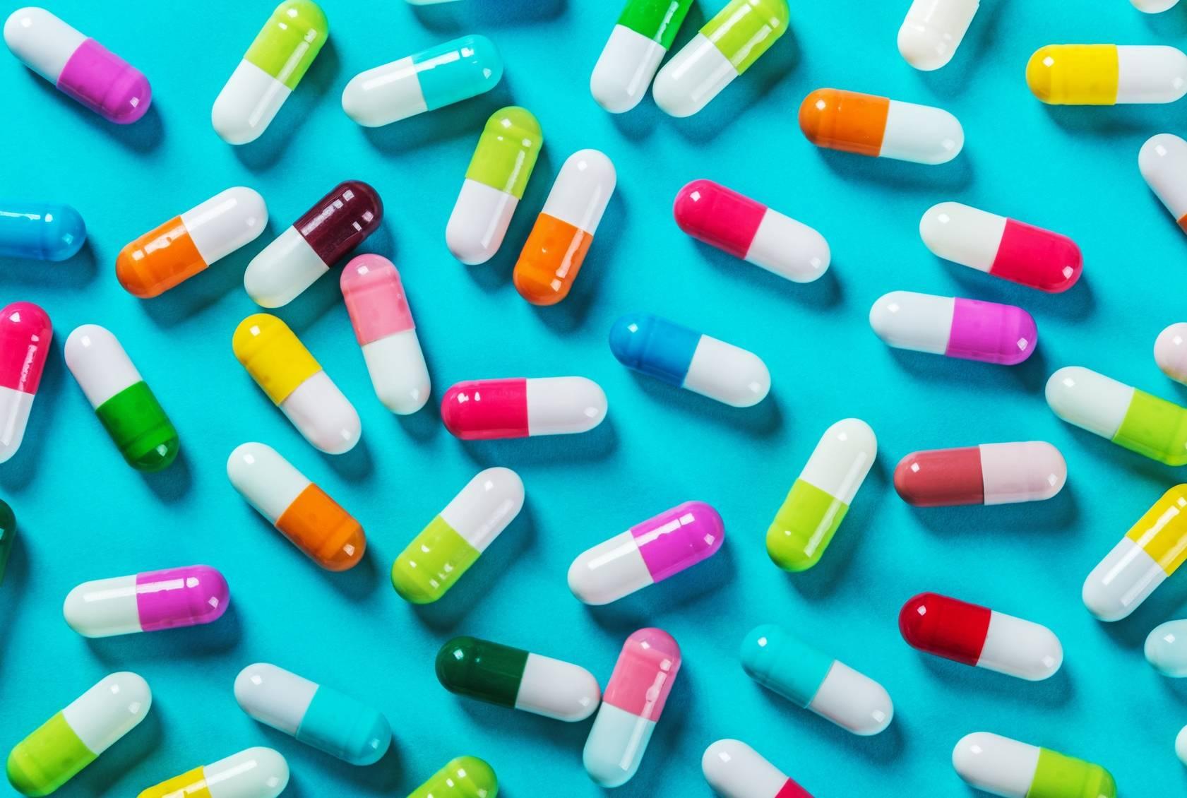 Probiotyki wspierają odporność i warto je brać podczas przyjmowania innych leków wyjaławiających mikroflorę bakteryjną jelit.