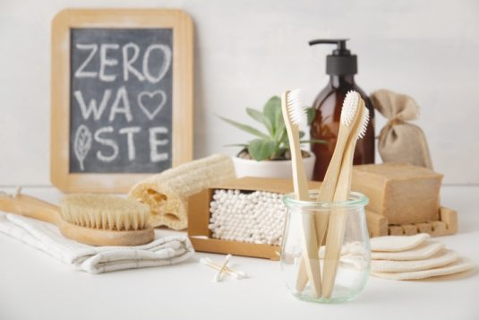 Kosmetyki zero waste - oznaczenia na produktach ekologicznych.