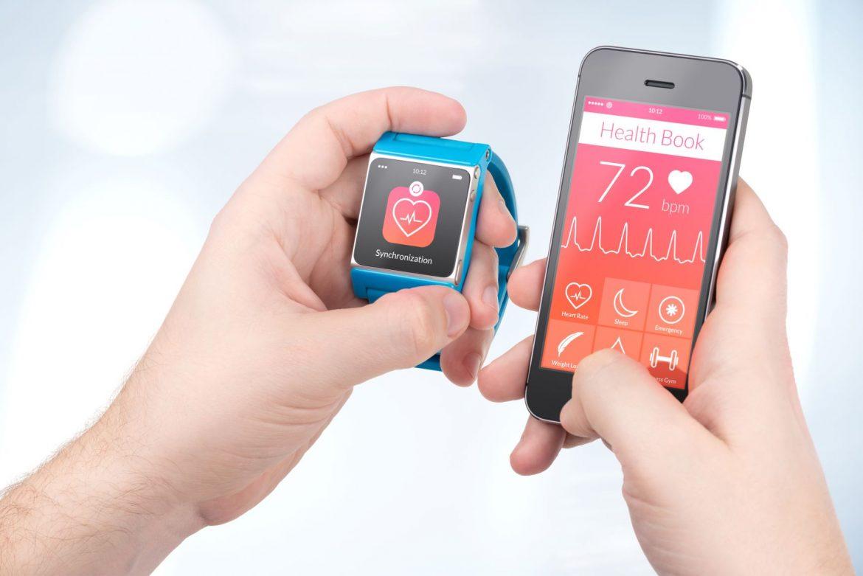 Dlaczego warto trenować z pulsometrem? Obserwacja pulsu na smartfonie i smartwatchu.