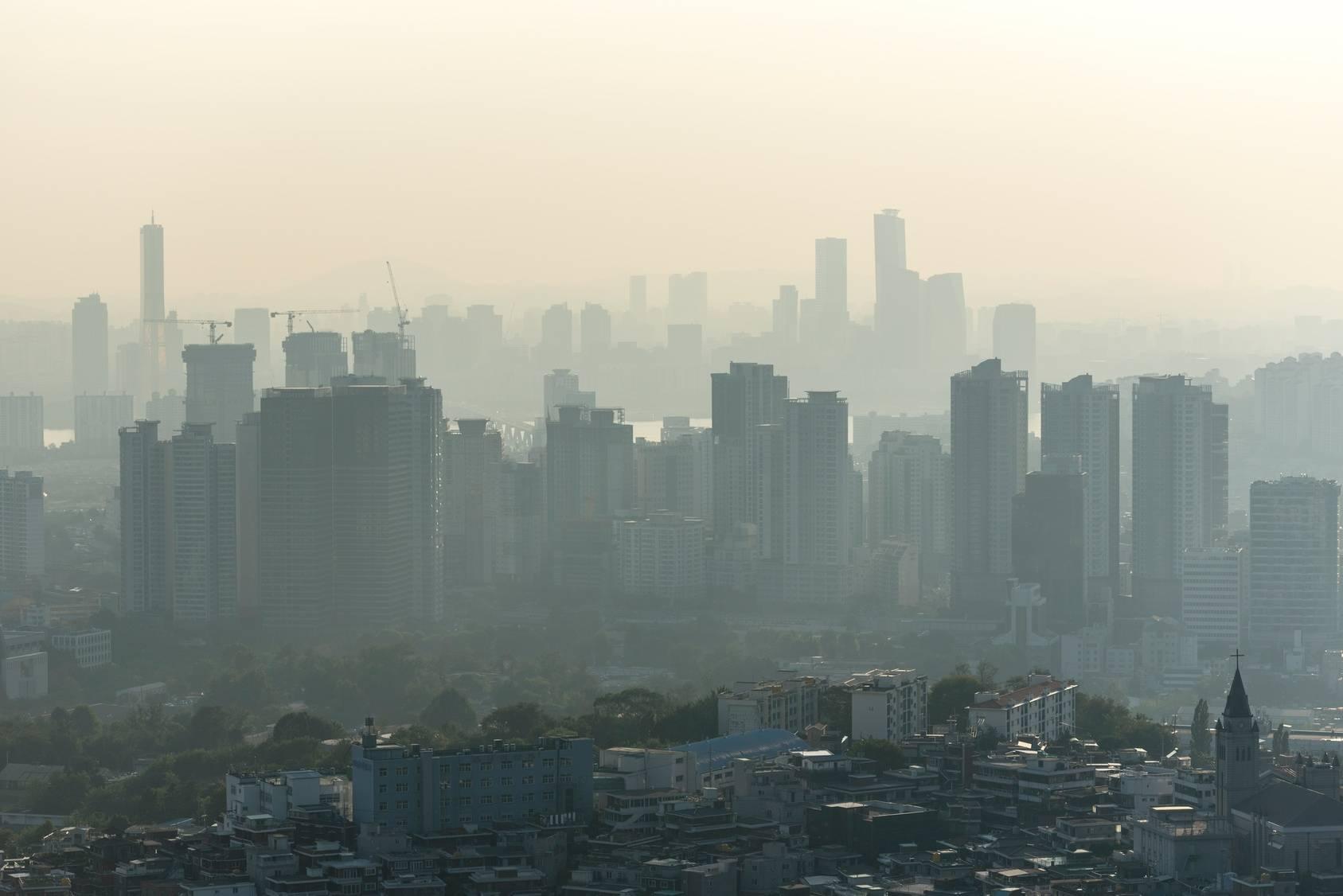 smog w mieście.