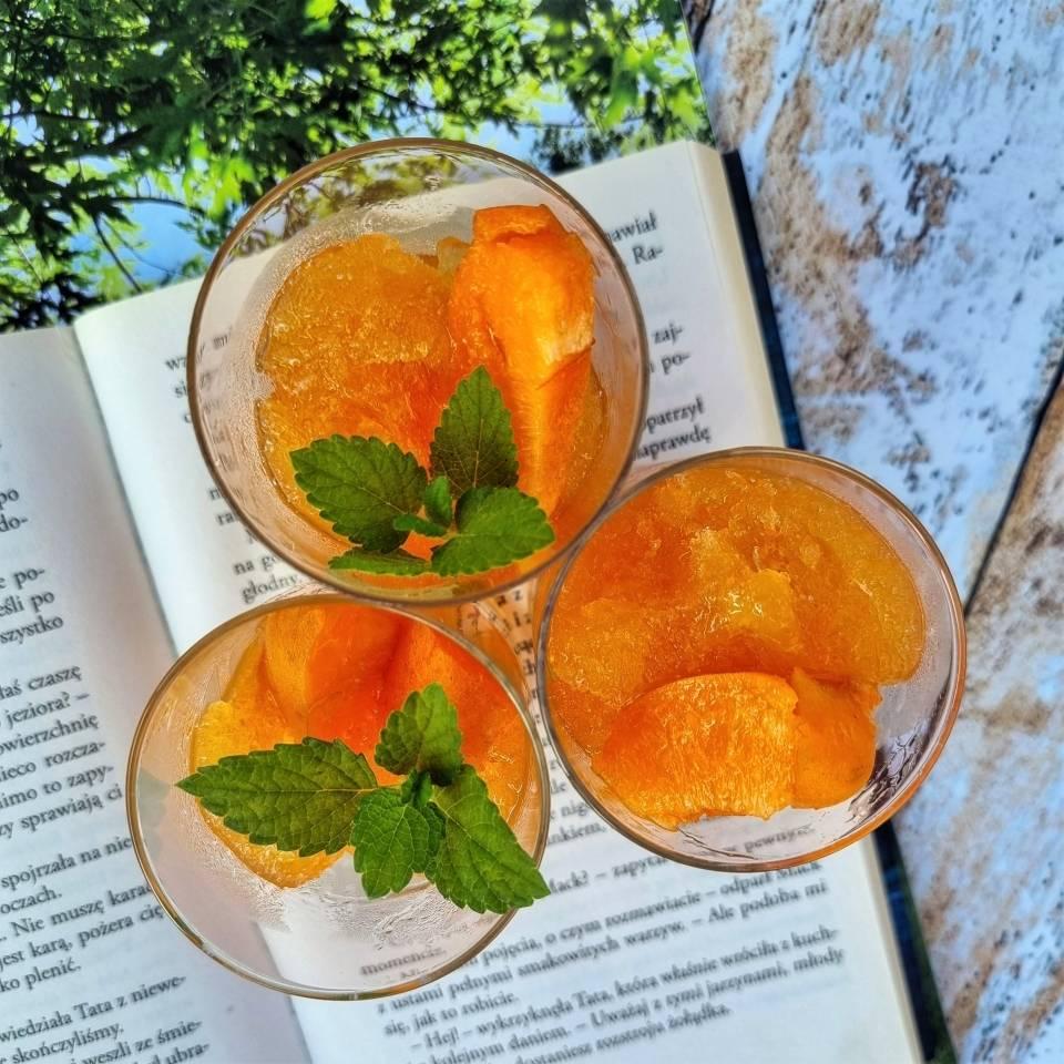 Sorbet pomarańczowo-morelowy z limonką i miętą - przepis.