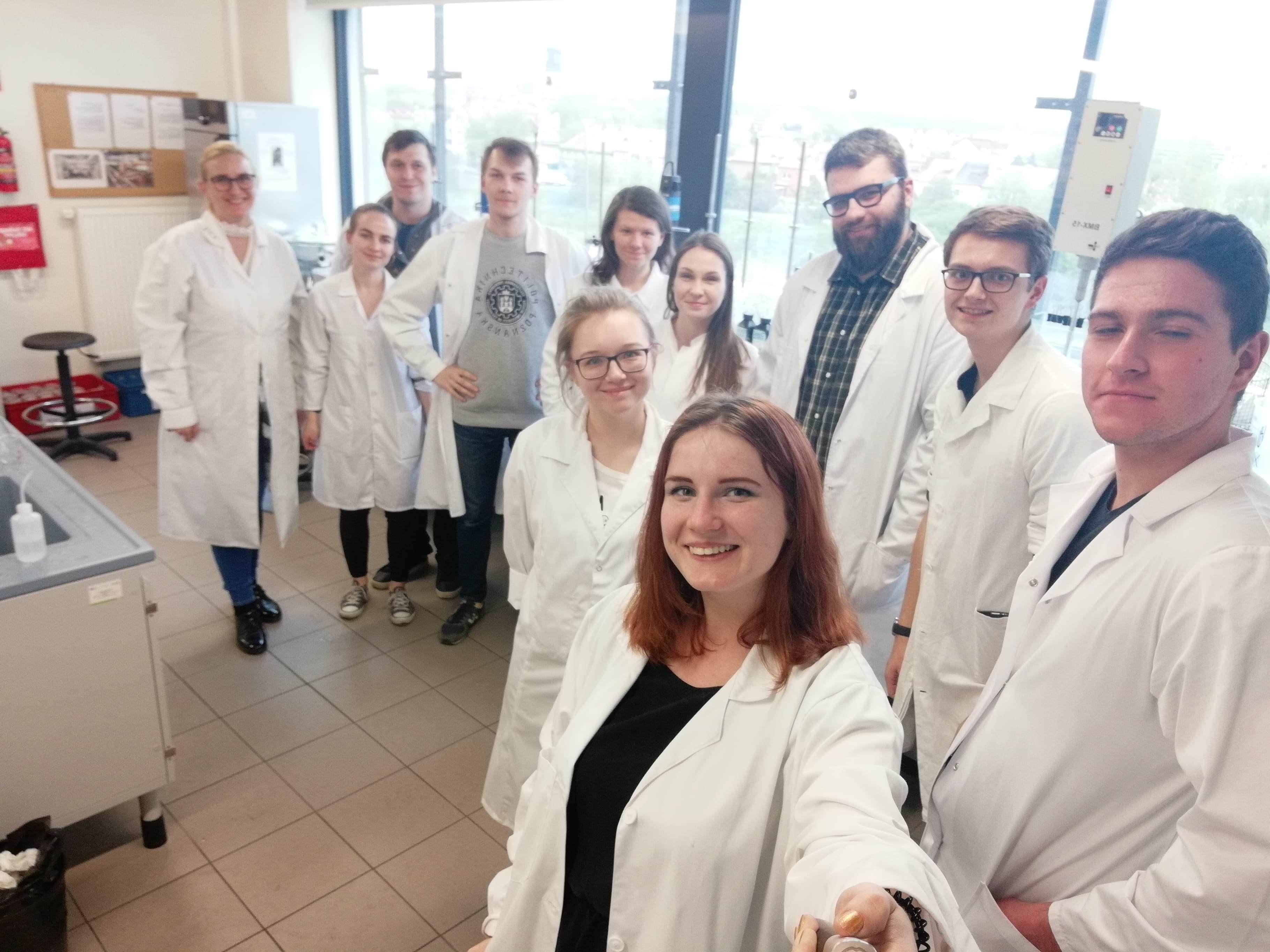 Studenci z Poznania odkryli filtr do wody, który pochłania niebezpieczne substancje.