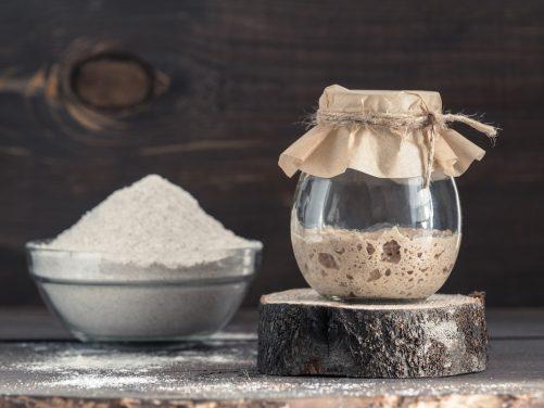 Szampon z mąki żytniej - jak go stosować?