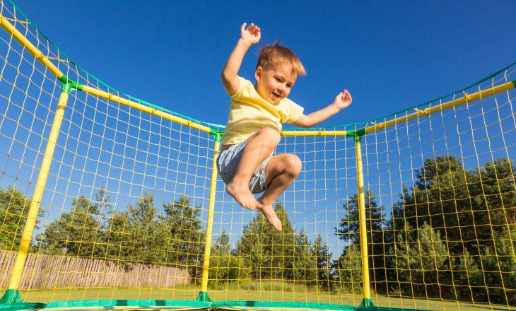 Trampolina dla dzieci - kupić czy nie?