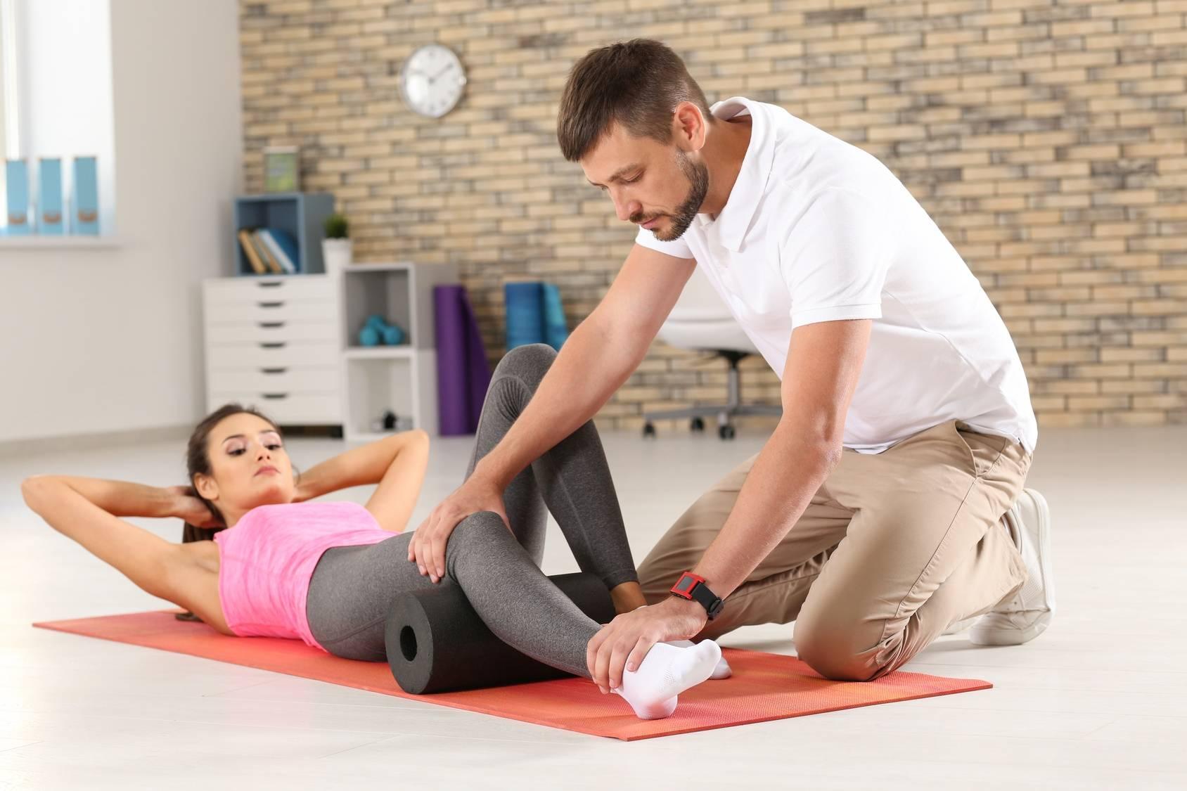 Problemy ze stawem kolanowym - wizyta u ortopedy i fizjoterapeuty.