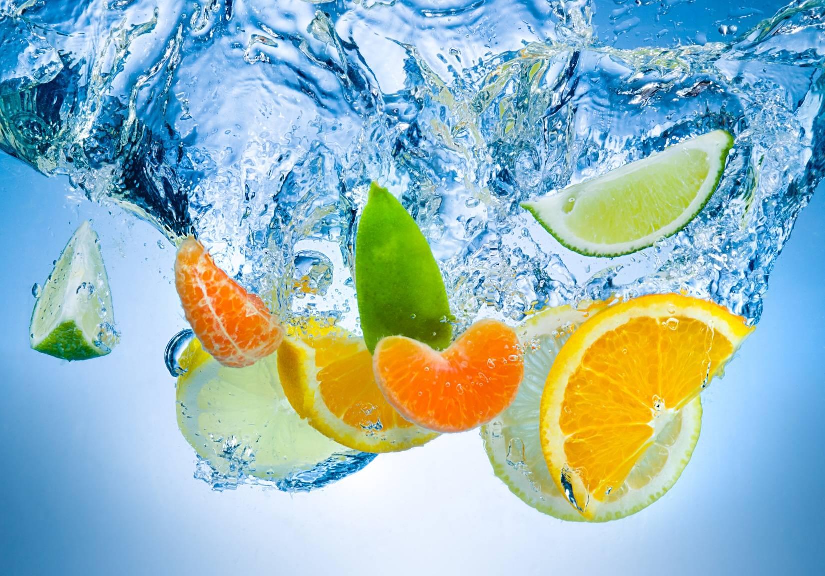 Wody smakowe - jak zrobić je domowym sposobem?
