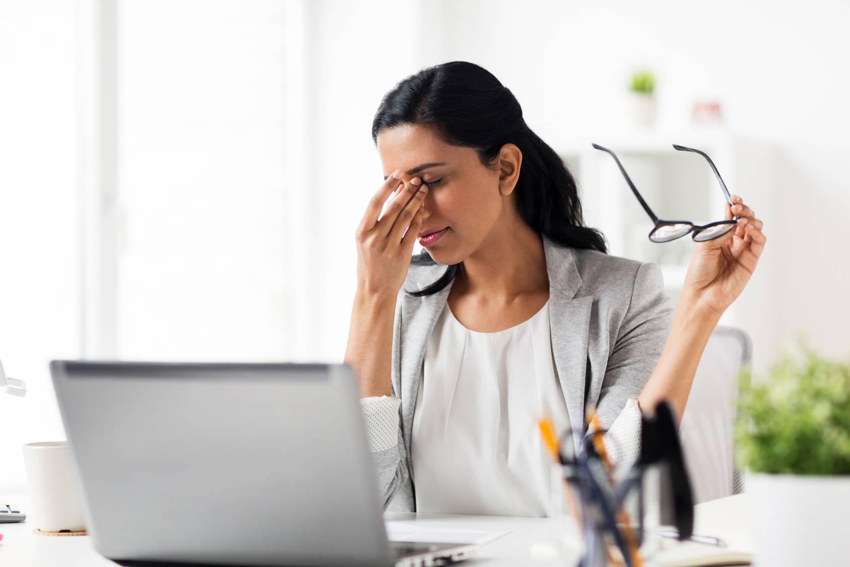 Jak poradzić sobie z zespołem suchego oka?