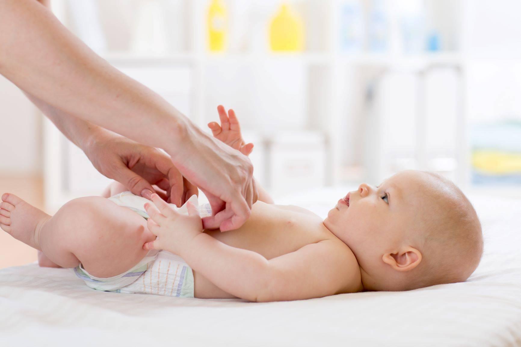 Rumianek (Chamomilla vulgaris) pomaga przy ząbkowaniu u niemowląt, kolkach i gorączce.