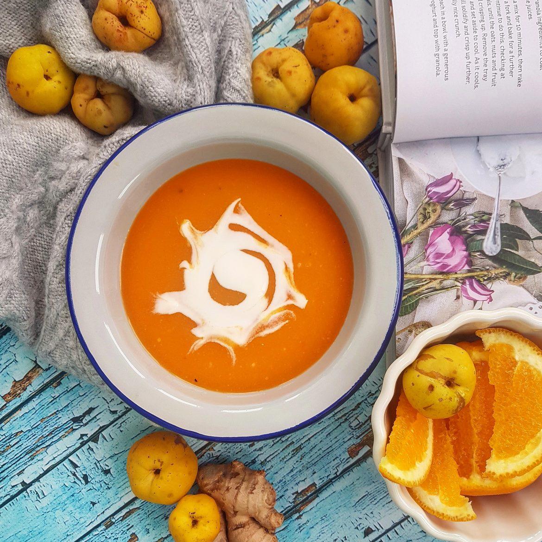 Przepisy z pigwą Agnieszki Żelazko. Zupa dyniowa z pigwą, imbirem i pomarańczą.