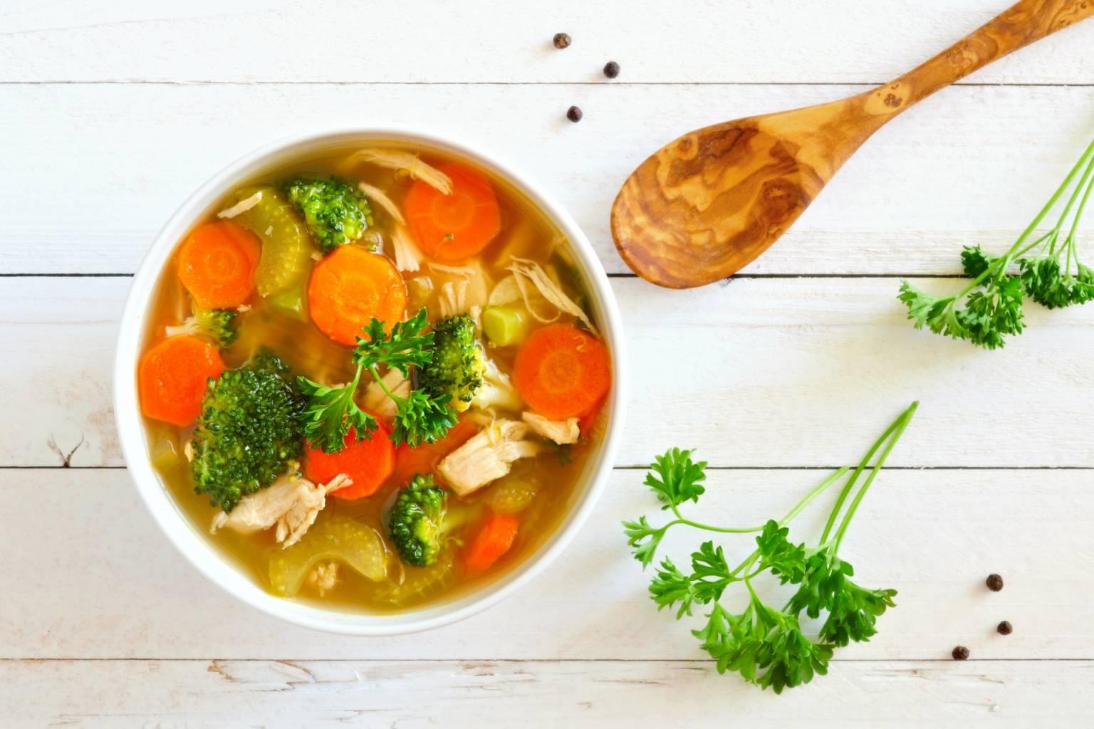 Przepis na zupę jarzynową - dieta lekkostrawna.