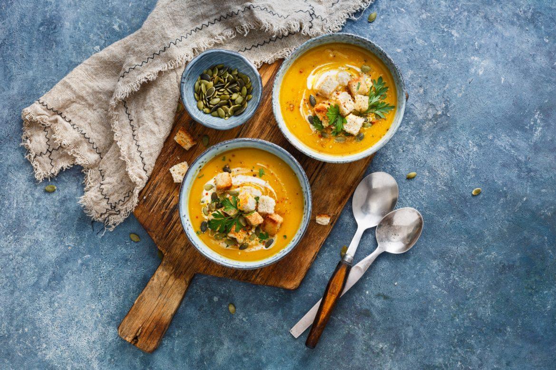 Zupy wegetariańskie i wegańskie wzmacniające organizm. Sprawdź przepisy na najlepsze zupy warzywne na odporność.